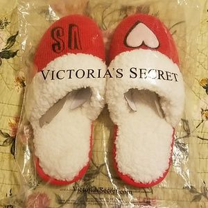 NEW Victoria's Secret Slippers